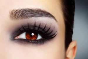 how to do eye makeup at home
