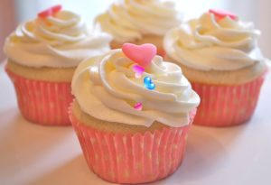 Vanilla Cupcake Recipe in Hindi