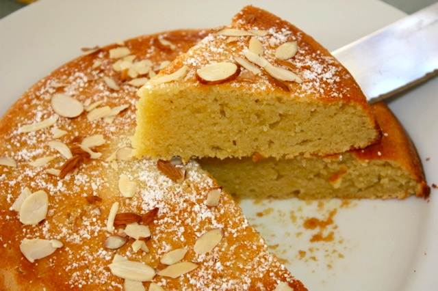 Easy Almond Flour Cake Recipe